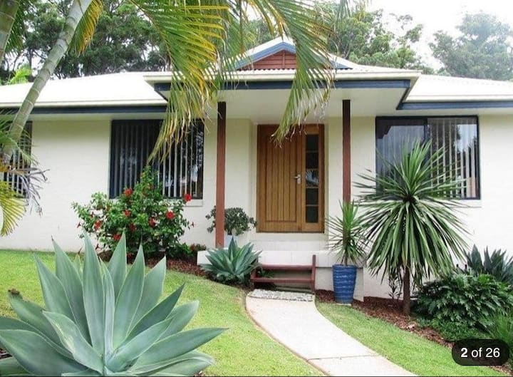 Coffs Harbour Studio own access in Tropical Garden