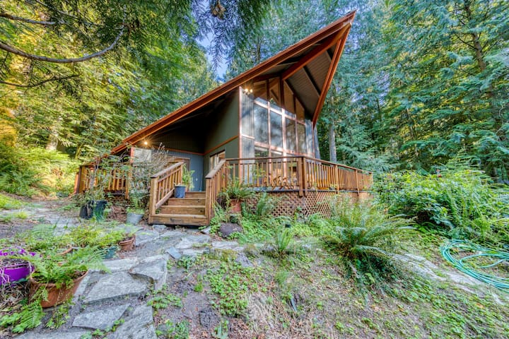 NEW LISTING! Creekside home w/ private hot tub, deck & great woodland views!