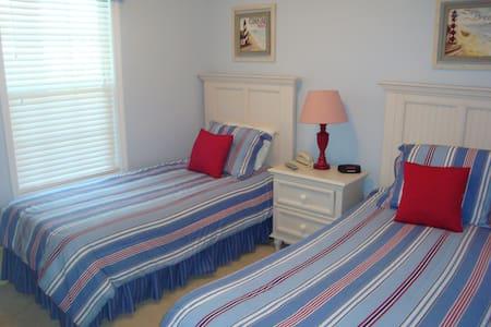 Barefoot Resort, Luxury Golf Villa - North Myrtle Beach - Condominium