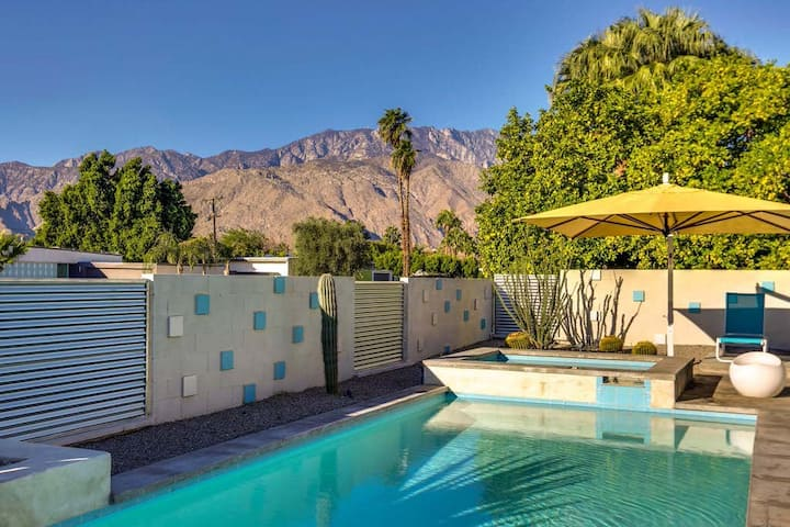 Eclectic mid-century gem designed by Donald Wexler w/ private pool & spa!