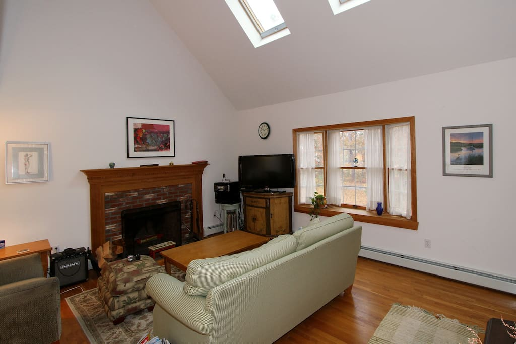 Skylights in the vaulted ceiling above let in loads of light!