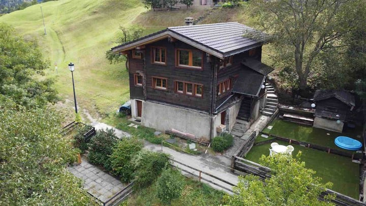 Charming, luxurious family vacation home Wallis