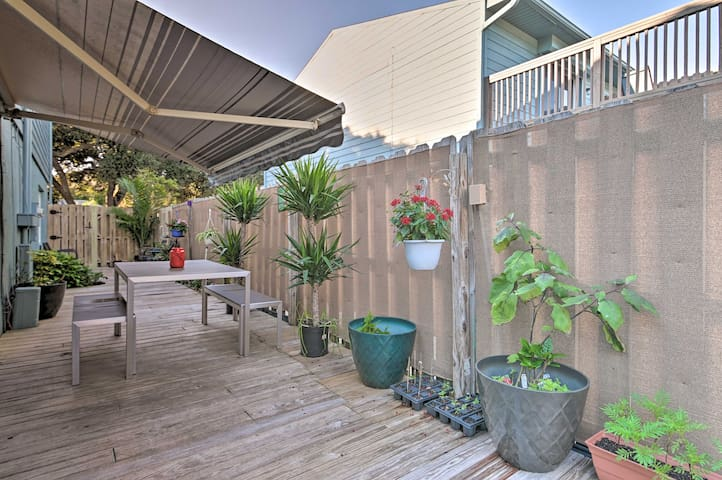 Charming Home w/ Short Walk to Beach & Flagler Ave