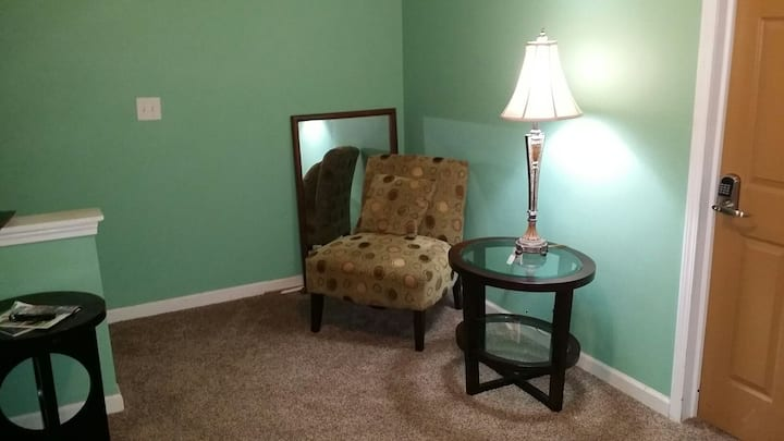 Listing S34- master bedroom, WiFi Cable.