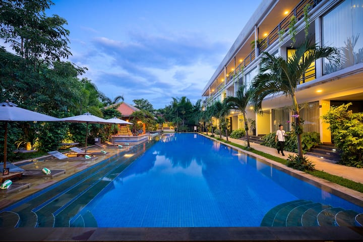1 King Bed for 2 Adults at Angkor Elysium Suite