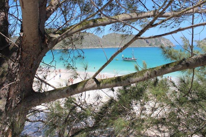 Suite  Independente Com Área na Praia dos Anjos - Arraial do Cabo