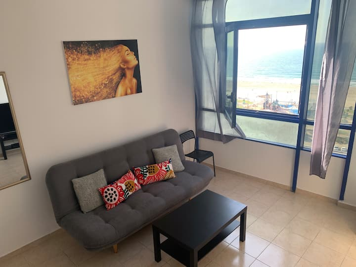 Apartment on the beach 143