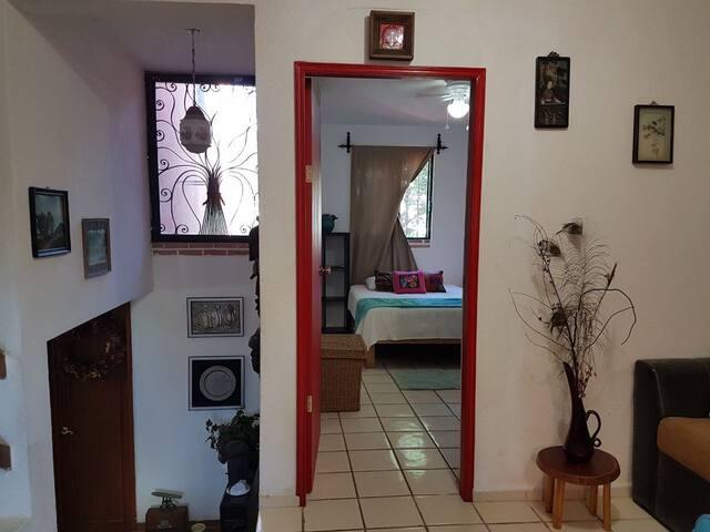 Bonita habitacion en casa crepusculo con a/a