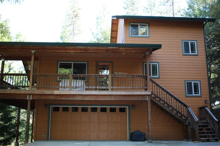 Cozy 3 Story Cabin - Near the River - Lewiston - Cabin