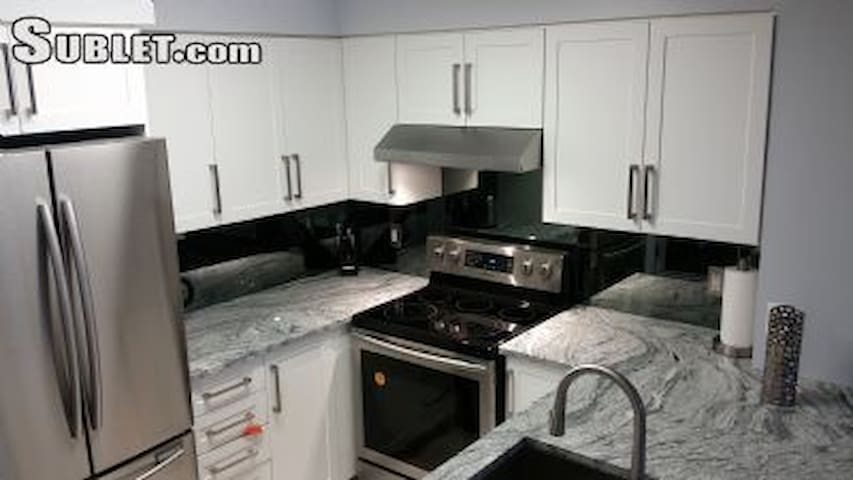 Fully Furnished luxury Condo - heart of north york