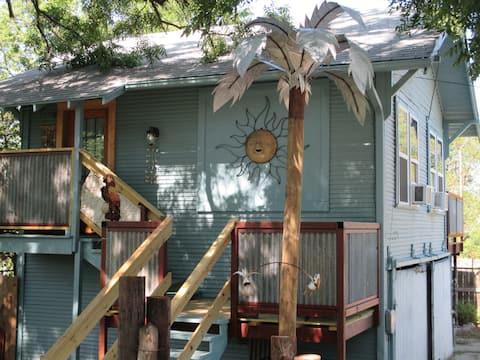 """Castaway Cottage"" next to Coggin Park"