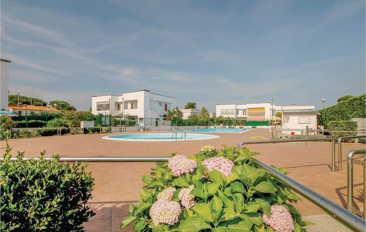 Holiday apartment with 2 bedrooms on 45 m² in Lido delle Nazioni FE