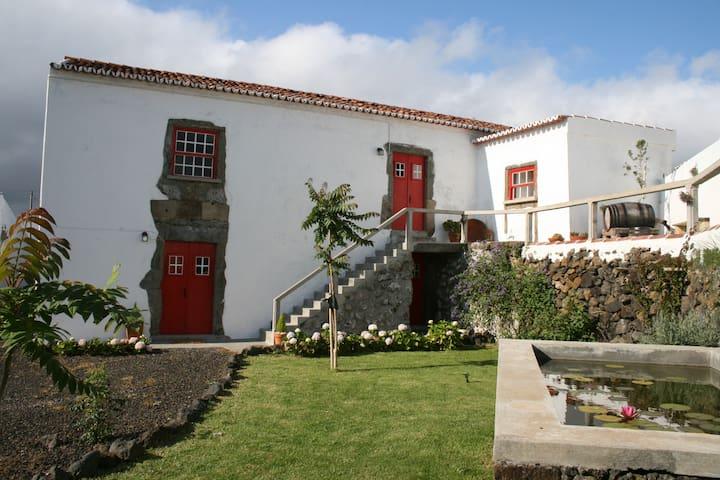 Casa da Borboleta, Poente