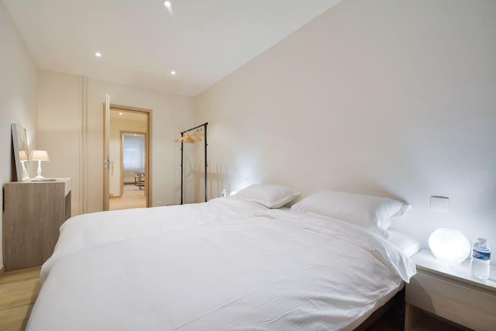 Chambre à coucher - 2 lits de 90/200 chacun