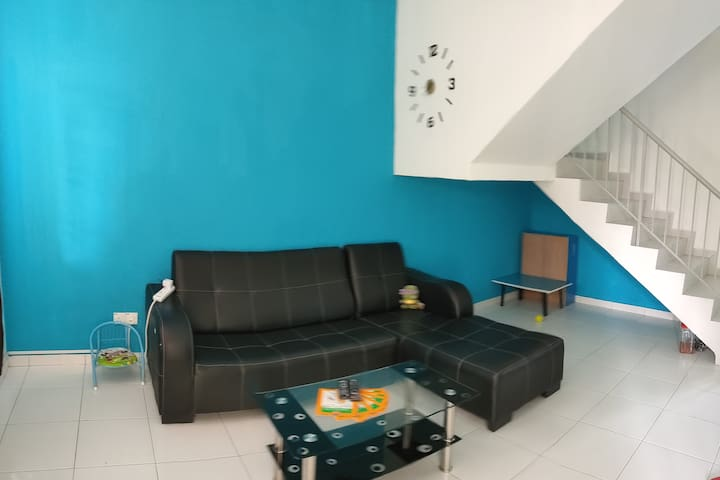 Homestay at Nusantara gelang patah near Legoland