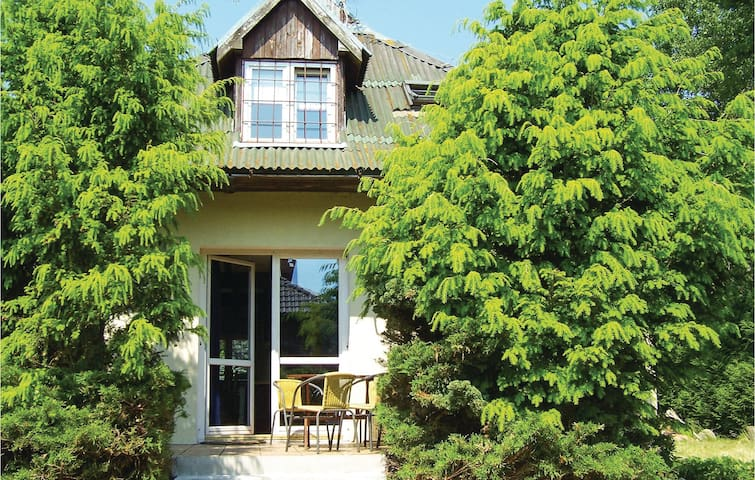 Holiday cottage with 3 bedrooms on 108m² in Grzybowo