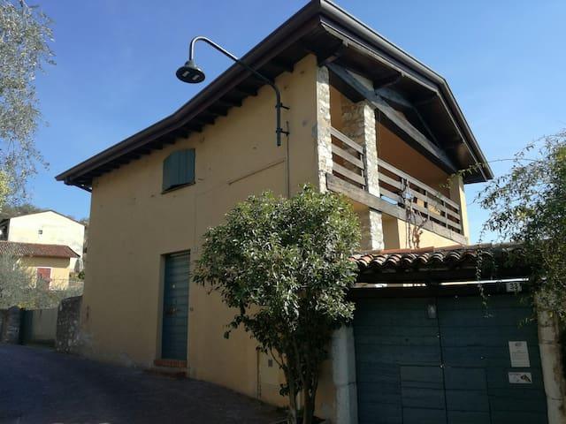 LA BAITA - CASA INDIPENDENTE VISTA LAGO - Gardone Riviera - House