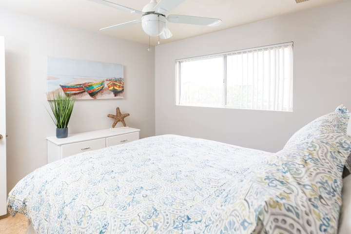 BEST LOCATION IN SCOTTSDALE! CHARMING PRIVATE BED