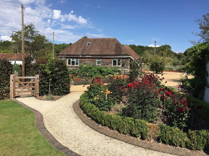 Luxury village barn near Stratford-upon-Avon