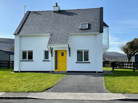 Beautiful cottage, Bellharbour, Wild Atlantic Way