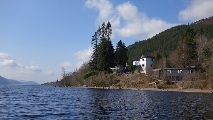 Loch Ness Hostel Private 6 Bed Room + Private W/C