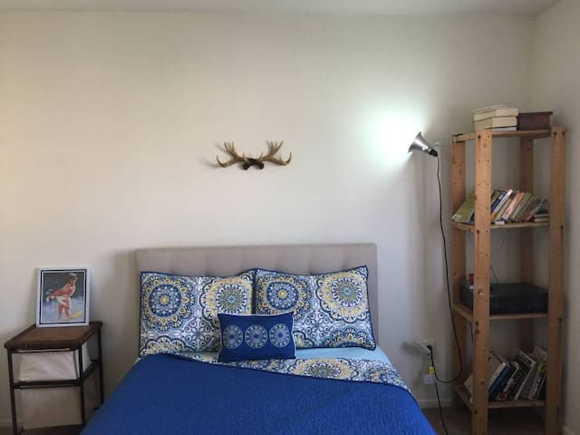 ENTIRE SPACE Artsy 1 Bedroom in the Heart of Noho