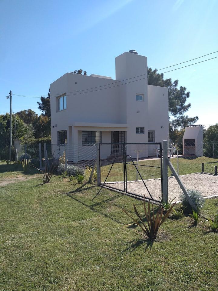 Casa nueva en barrio privado en  Miramar (bs.as)