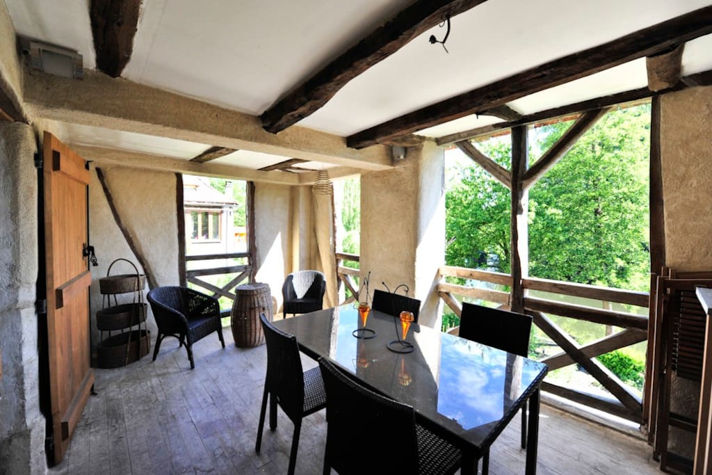 La loggia avec vue sur la Dordogne