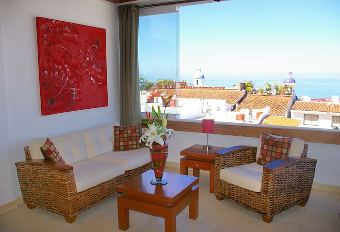 * Beautiful Ocean and City Views - Walk Score 99* - Puerto Vallarta - Apartment