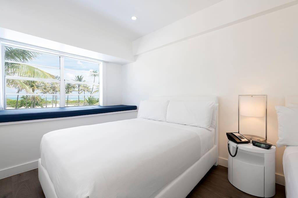 Remodeled Ocean Corner Room with 2 Queen Beds
