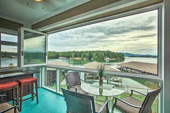 Huddleston Condo w/ Balcony on Smith Mountain Lake