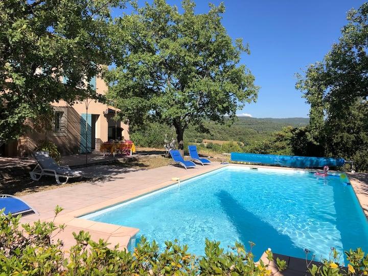 Villa avec piscine dans le Luberon avec vue !