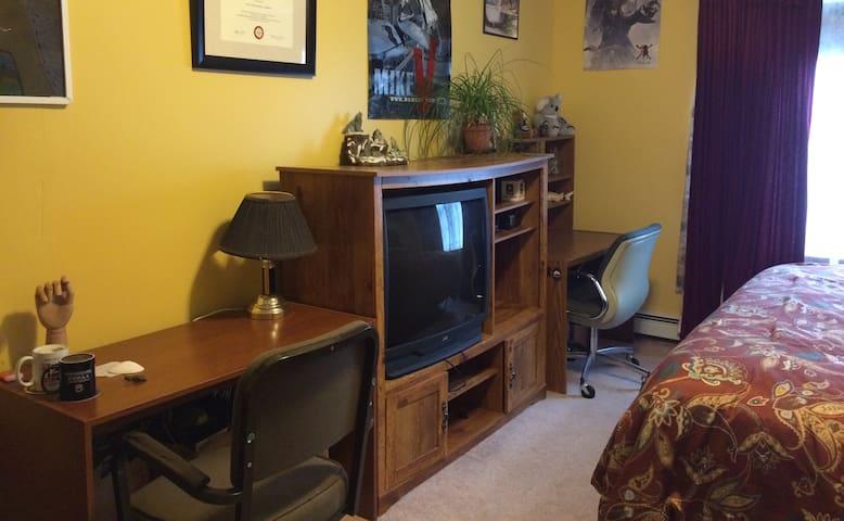 Desk n computer work station