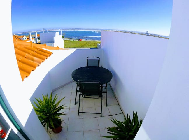 Peniche Surf Lodge 2