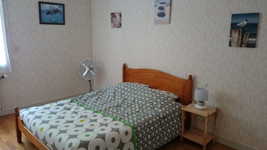 Chambre dans maison proche autoroute et commerces - La Crèche - Rumah