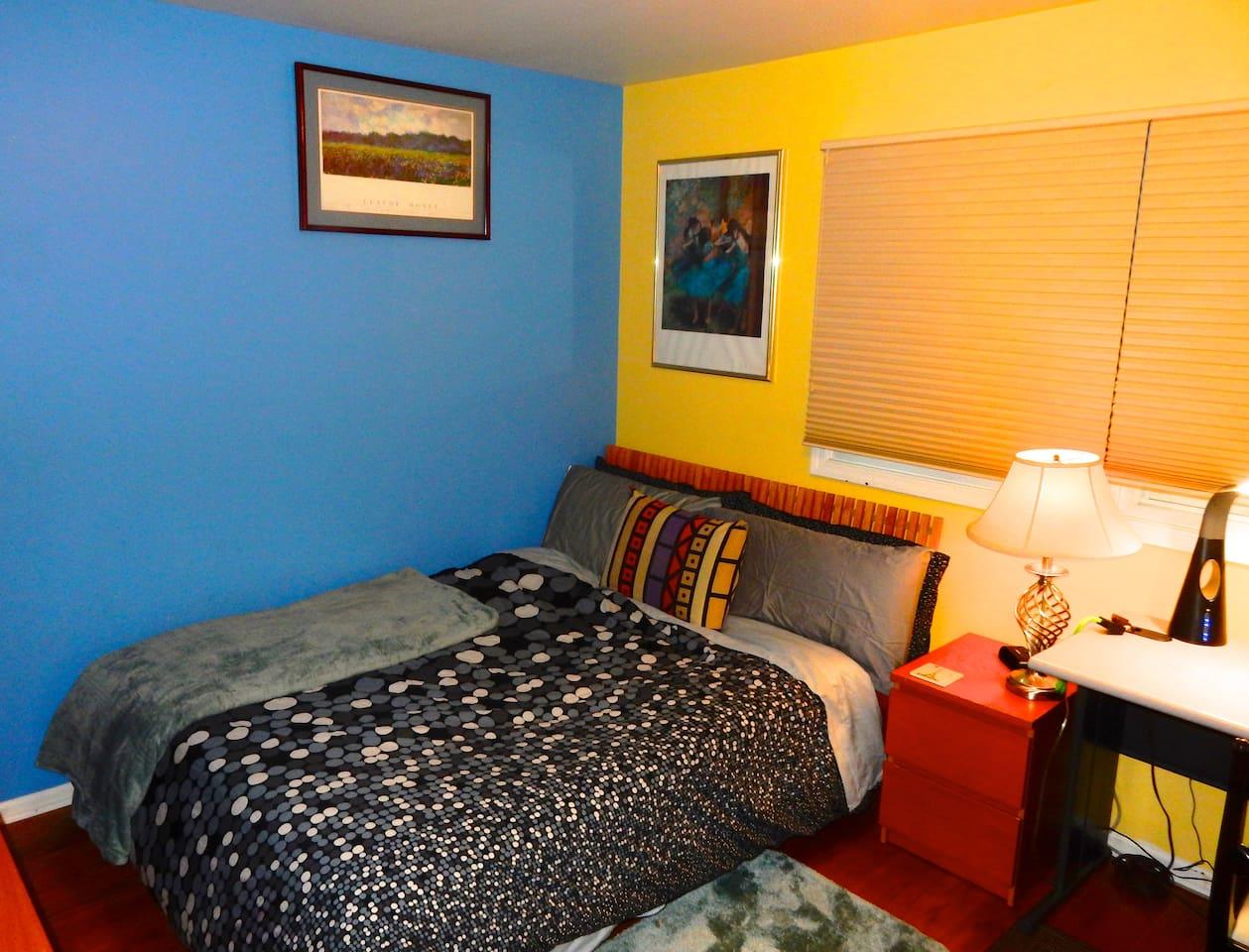 Quiet bedroom with queen bed photo 1