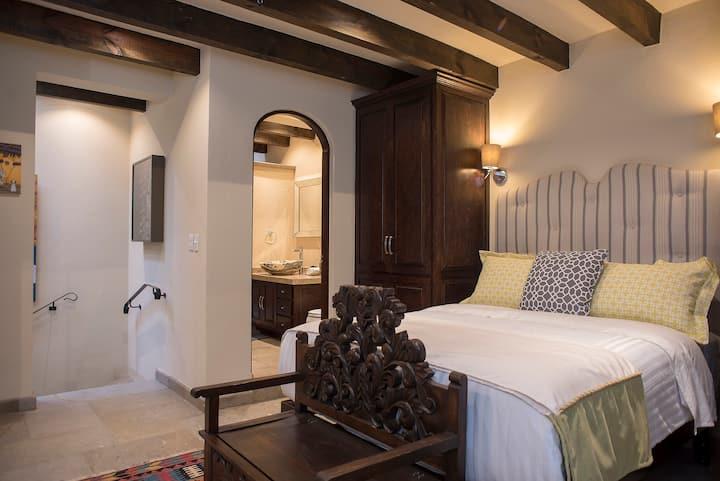 Luxury in Historic Center a/c, quiet safe 5
