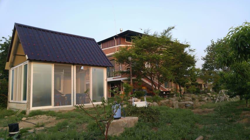농사짓는 농부의  그린민박 (1층 전체) - Oenam-myeon, Sangju - House