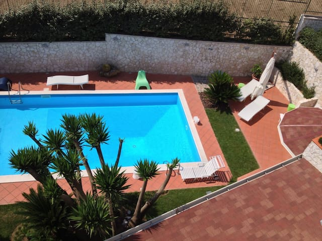 CasaRusso52 Exclusive/Pool & large Garden/ Wi-Fi - Pozzuoli - Casa de camp