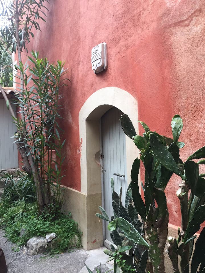 Entree privée maison ancienne