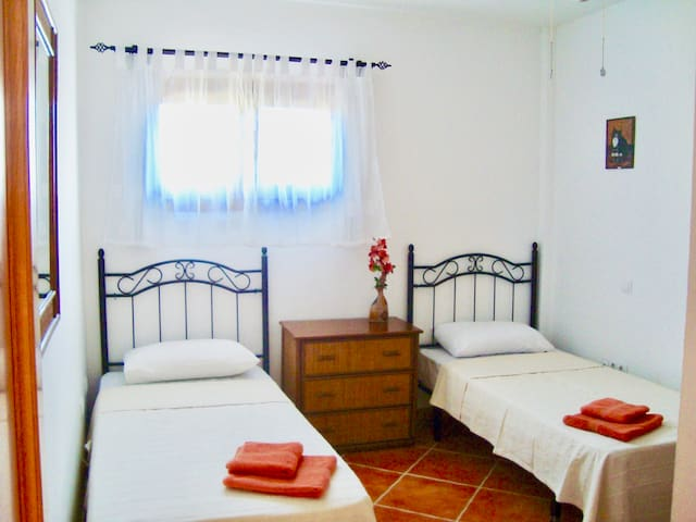 Bedroom 3 twin
