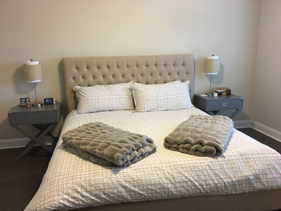 Master Bed Room, King Bed with Private Bathroom