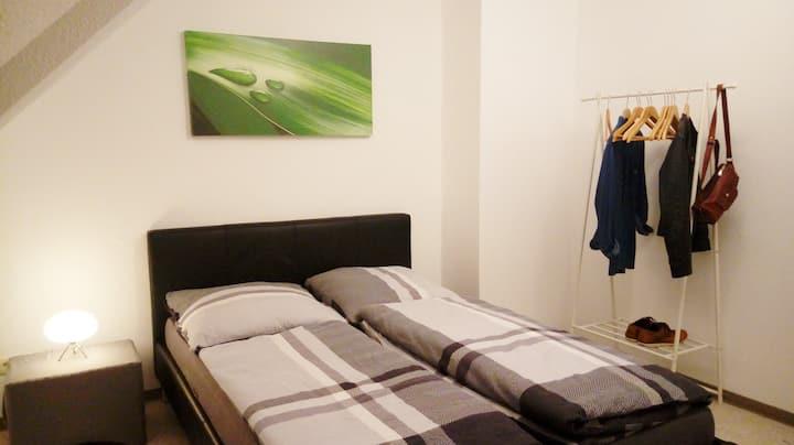 Zentrales und ruhiges Zimmer nahe Hbf und City