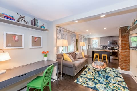 Forest Avenue Flat (2nd Floor Apt) | Midtown