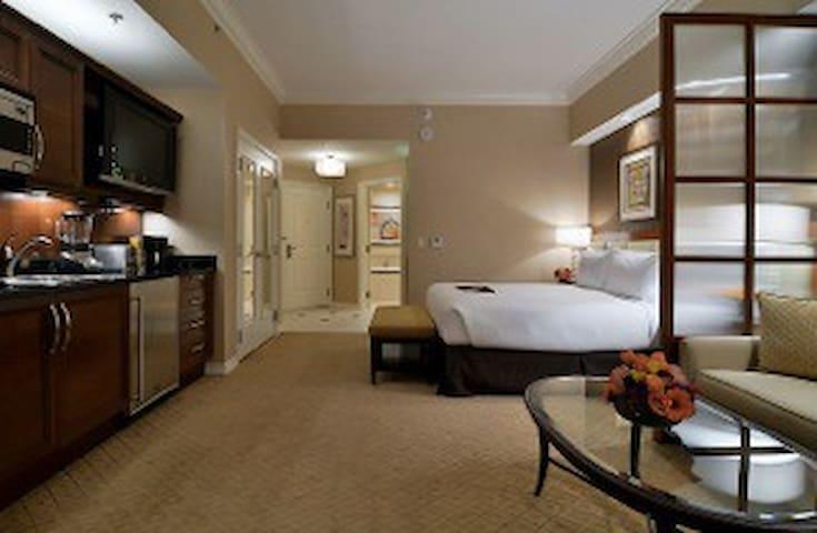 MGM Signature PatioPenthouse Strip$58 No ResortFee