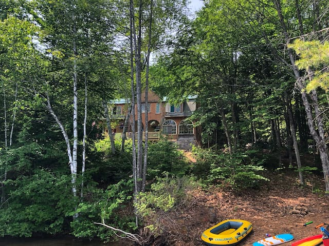 One of a Kind Lakeside Home - Birchmere