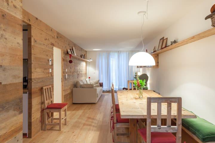 Deluxe apartment in La Punt - La Punt-Chamues-ch