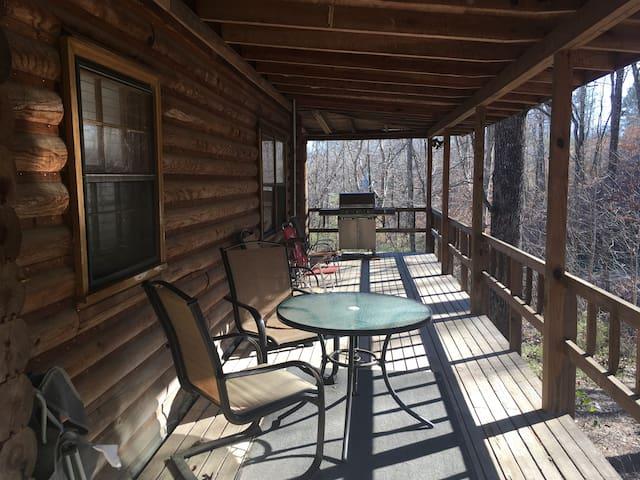 Comfortable Rustic Cabin - Pelham - Maison