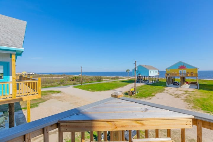 SunKissed New! 4 BR, 3 BTH, Gourmet kitchen, Oceanview. Awesome Decks.