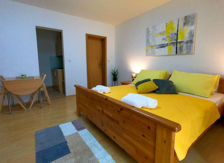 Cozy Studio Apartment in Diklo, Zadar